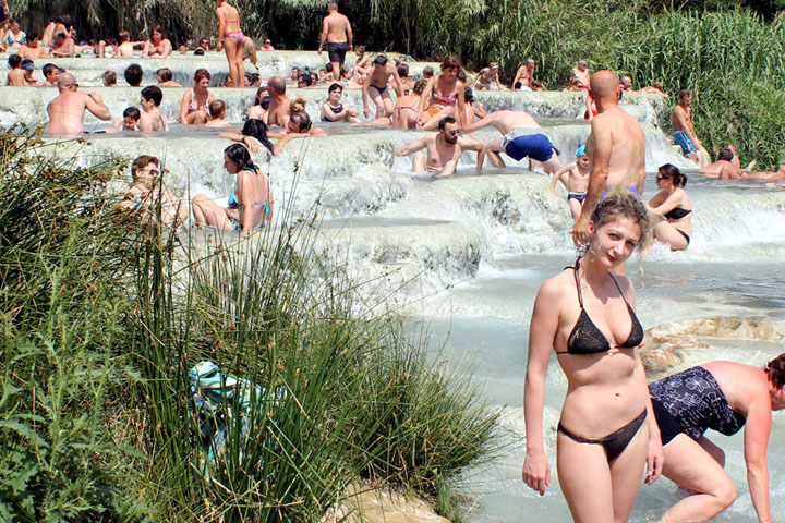 Saturnia Mud Baths, Semproniano and other Tuscan Medieval Villages