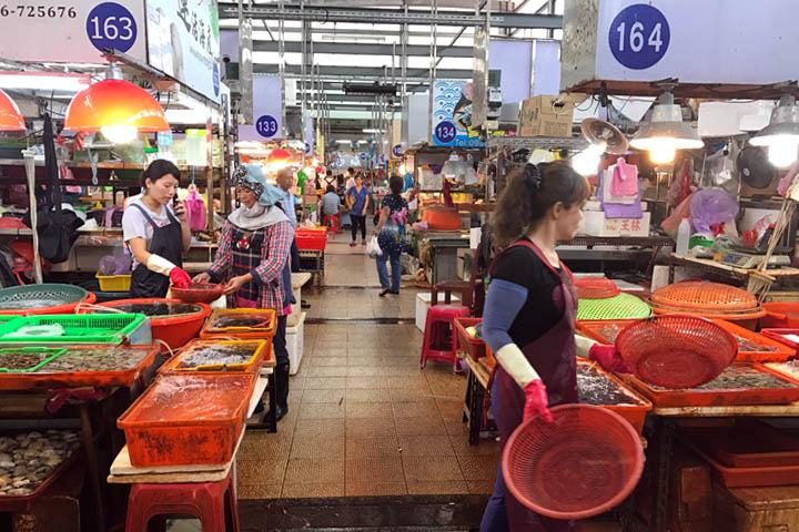 Dong Gong fish market