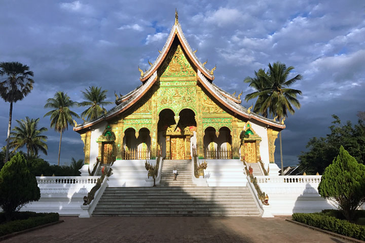 long weekend in Luang Prabang royal palace show