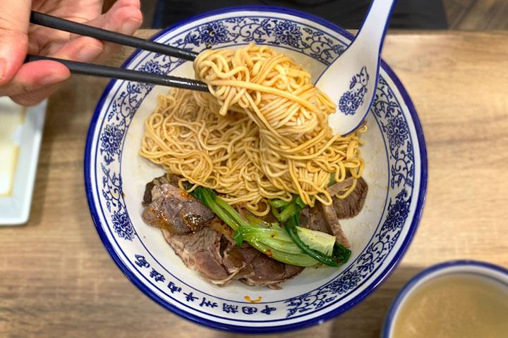 チャイナタウンTongue Tip Lanzhou Beef Noodle店で牛肉麺を堪能!