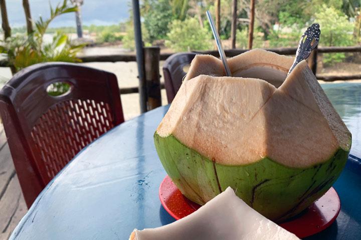 RM. Ciu Yong Seafood Coconut