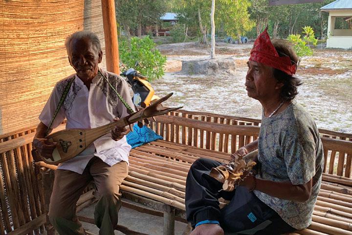 local indo music