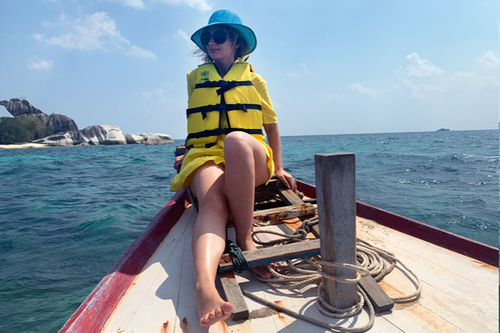 Island hopping and snorkelling off Pantai Tanjung Kelayang in Belitung